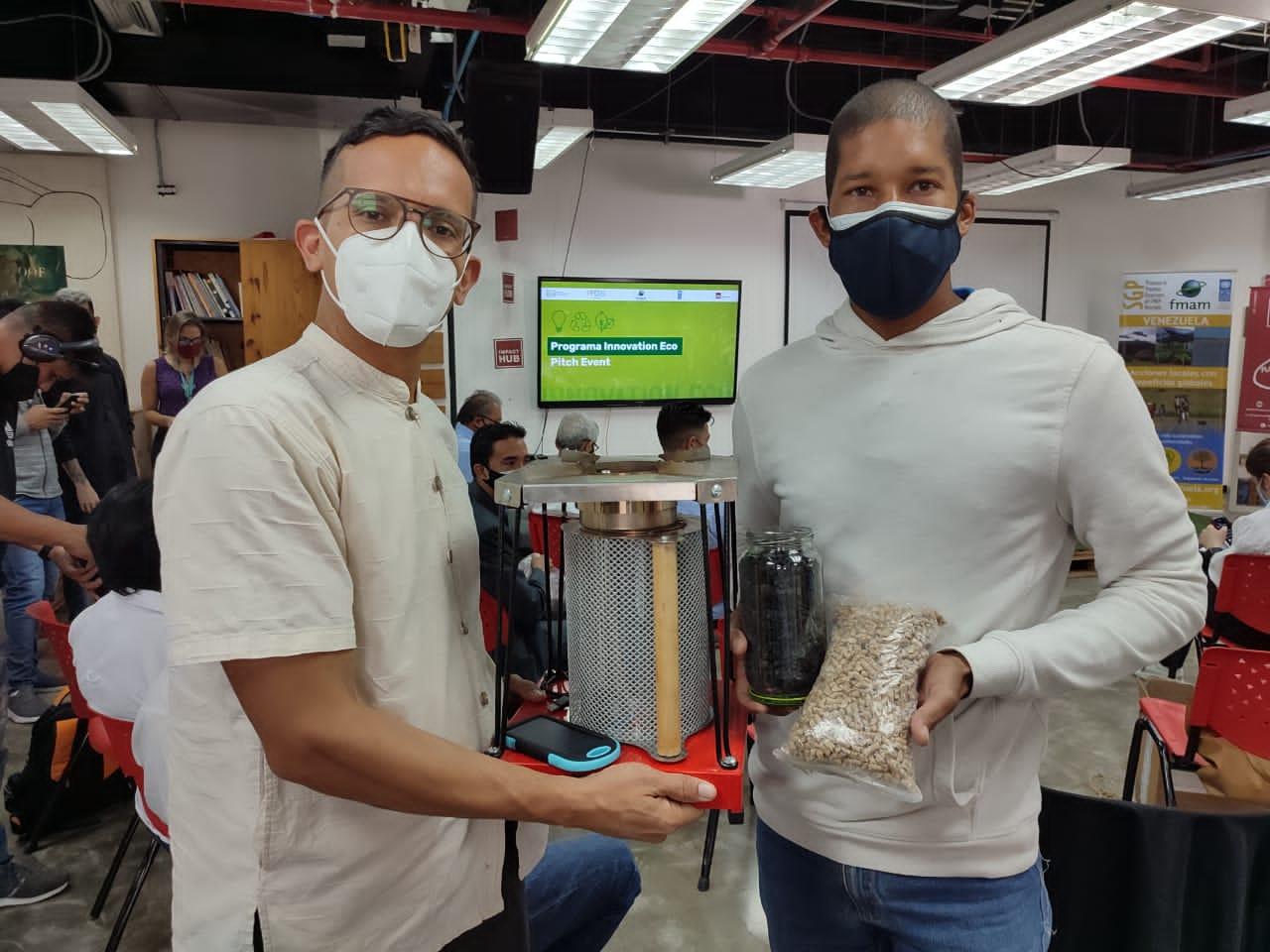 1er lugar Fundación Senderos con su eco emprendimiento Momoy Soluciones Energéticas